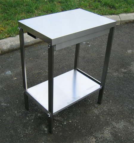 Table inox suisse table de lit a roulettes for Acheter meubles en suisse